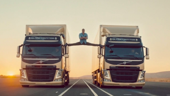 Jean-Claude Van Damme Splits On Volvo Trucks